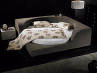 Нестандартно тапицирано легло