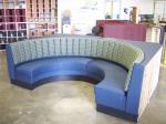 Полукръгла мека мебел за заведения по клиентска заявка