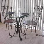 Ковани железни столове